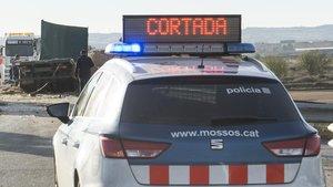 Un home de 35 anys mor atropellat per un camió a la C-25