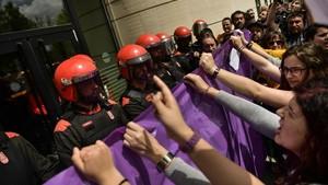 Protesta ante la Audiencia de Navarra, en Pamplona.
