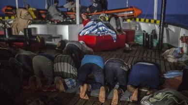 La mitad de inmigrantes que llegan a Barcelona siguen su viaje