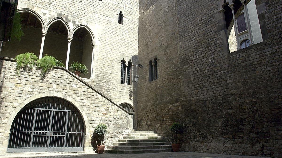 Edificio del Palau Recansens, sede dela Reial Acadèmia de Bones Lletres.
