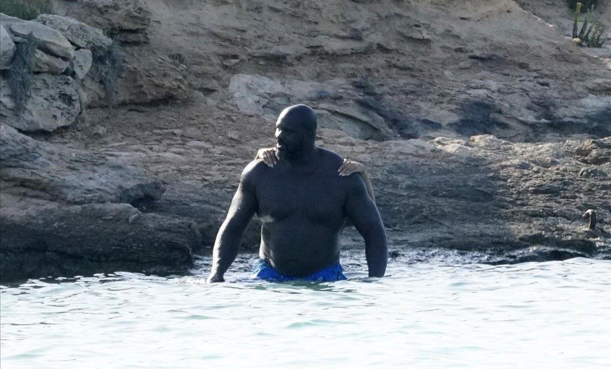 Shaq, imponente en las aguas de Formentera.