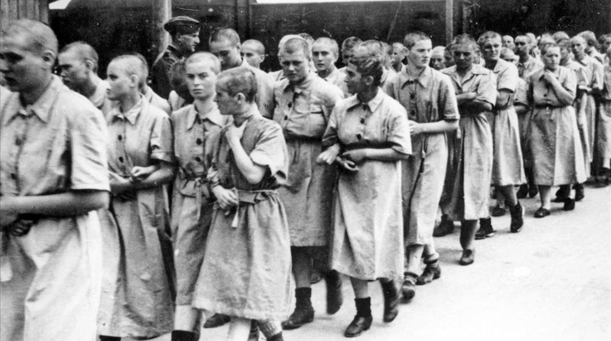 Mujeres usadas como esclavas en el campo de concentración de Auschwitz.