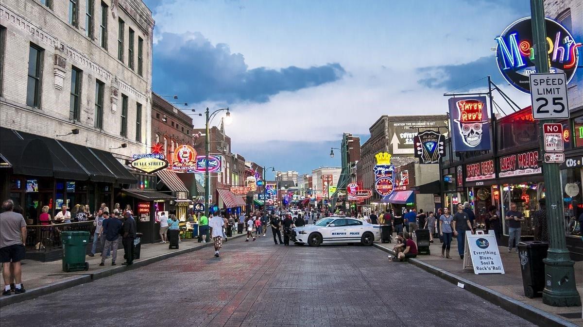 La calle Beale, en Memphis, una de las cunas del blues.