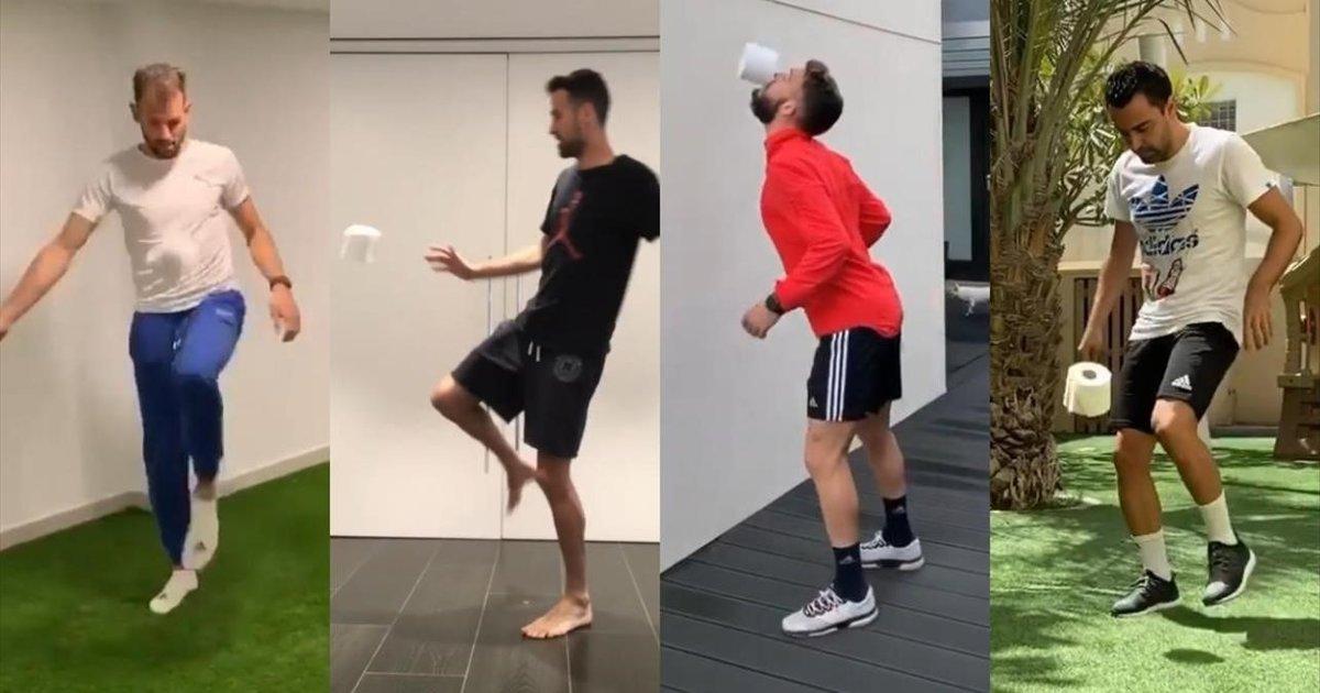 Stuani, Busquets, Roberto Torres y Xavi Hernàndez, dando toques al papel higiénico.
