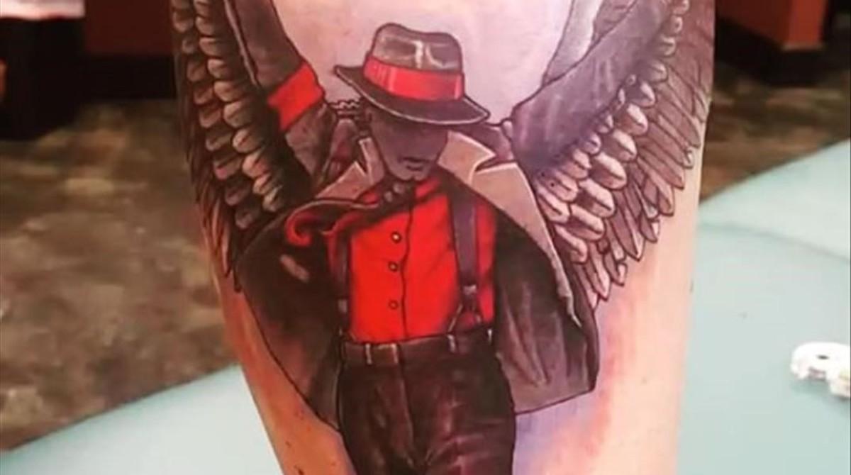 Prince Jackson Luce En La Pantorrilla Un Tatuaje De Su Padre