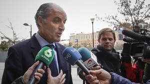 Camps, a su llegada a la Ciudad de la Justicia de València para declarar como investigado por un posible caso de corrupción vinculada a la F1