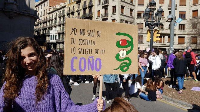 Los Mejores Carteles De La Manifestación Feminista