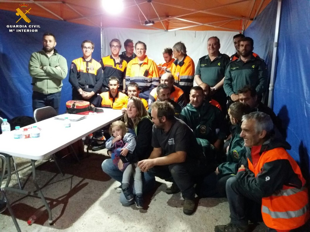 Hallada arropada por su perro una niña de 2 años que estuvo 7 horas perdida en Ávila