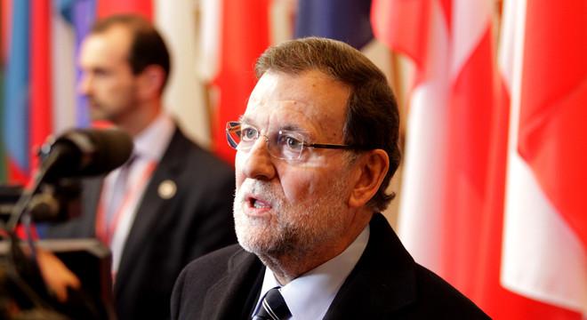 Rajoy insiste en que no tiene previsto reunirse con Hollande