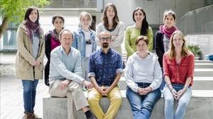 Miembros del grupo investigador de Espacios Verdes y Salud del instituto ISGlobal de Barcelona, en el Parc de Recerca Biomèdica (PRBB).