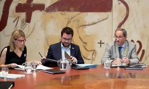 Elsa Artadi, Pere Aragonès y Quim Torra, en la reunión del Govern.