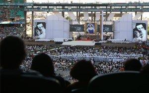 La ceremonia para conmemorar la canonización de Santa Dulce de los Pobres, en Brasil.