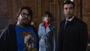 Brays Efe, Verónica Echegui y Javier Rey, en 'Orígenes secretos'