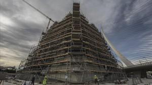 Obras de reparación de la cubierta del Àgora, futura sede del CaixaFórum de València