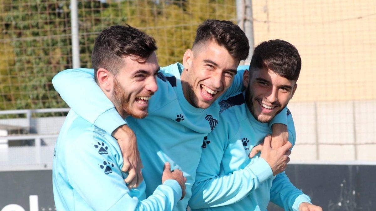 Campuzano, Marc Roca y Luis López, enun entrenamiento del Espanyol.