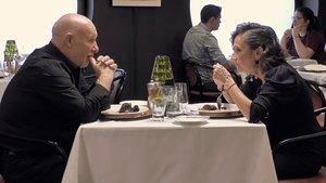 La impactant confessió d'un comensal de 'First Dates' a la seva dona: «Vaig començar a sortir amb tu per una aposta»