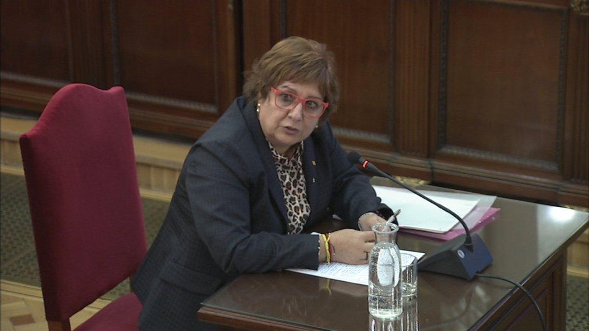 Dolors Bassa respondiendo a las preguntas de la Fiscalía.