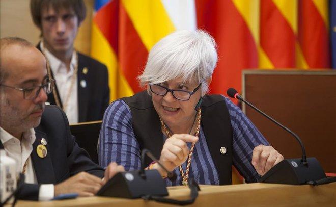 Dolors Sabater, en el pleno de investiduraal socialistaÁlex Pastor, en el Ayuntamiento de Badalona.