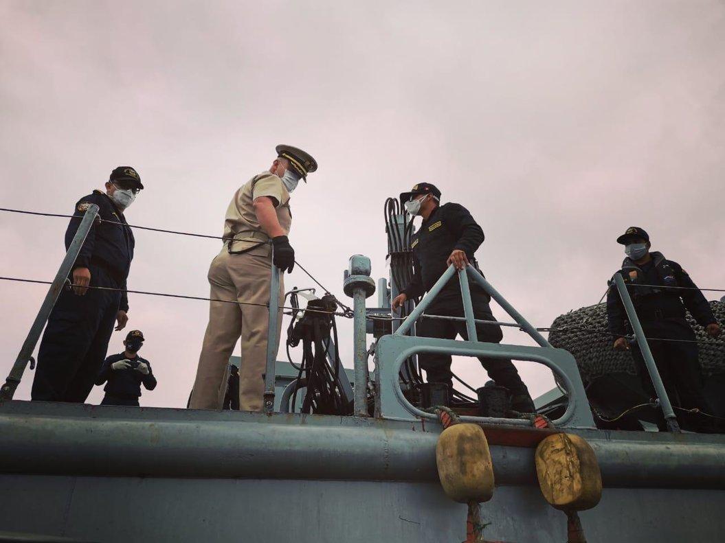 En 2017 un barco de una flota similar ingreso en una reserva natural en aguas ecuatorianas y fue interceptado por la Armada con un cargamento de especies prohibidas.