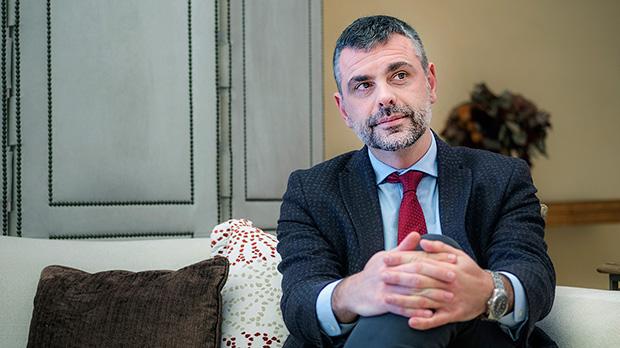 El exconseller Santi Vilarepasa la actualidad política catalana