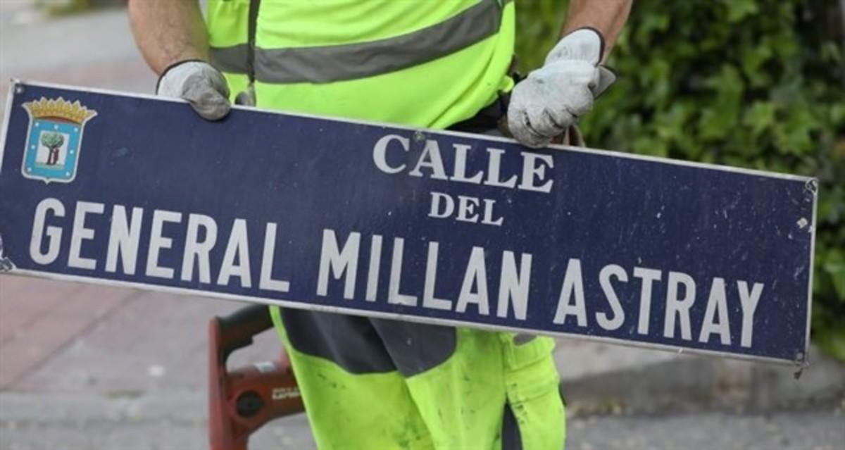 Madrid inicia a La Latina i Carabanchel el canvi de plaques de la llista de carrers franquista