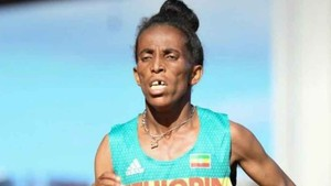 Girmawit Gebrzihair, atleta etíope de 16 años disputando el Mundial-sub20