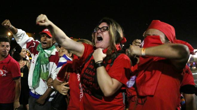 Continúa el debate de los senadores brasileños para destituir a Rousseff