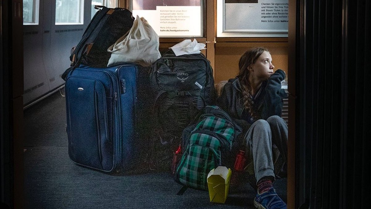 Greta Thunberg, en un tren sin asientos libres