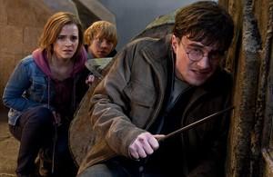 Emma Watson, Rupert Grint i Daniel Radcliffe, a 'Harry Potter i les relíquies de la mort (2)'.