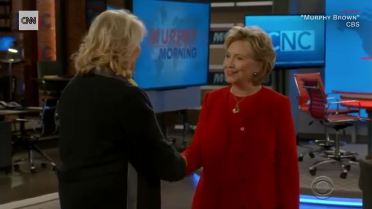 Hillary Clinton. en su intervención en la serieMurphy Brown, que protagoniza Candice Bergen.