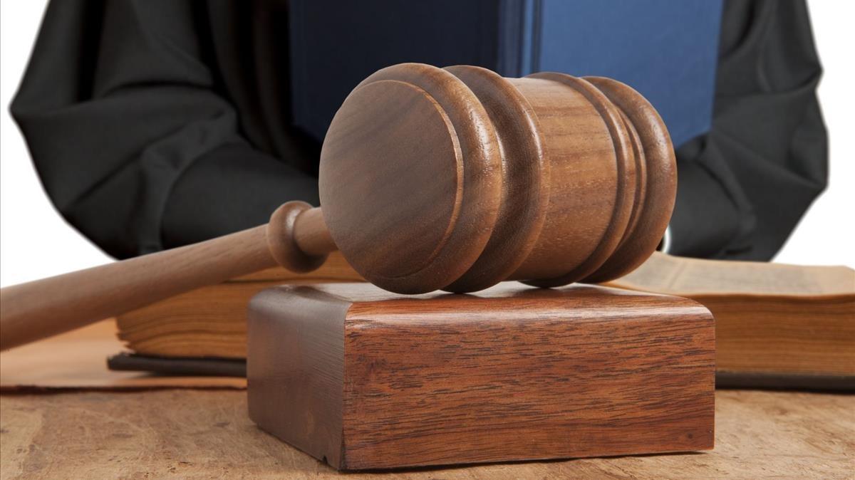 Condenado a 14 años un abuelo de Girona por abusar de su nieta de 9