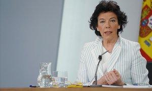 Isabel Celáa durante la rueda de prensa posterior al Consejo de Ministros.