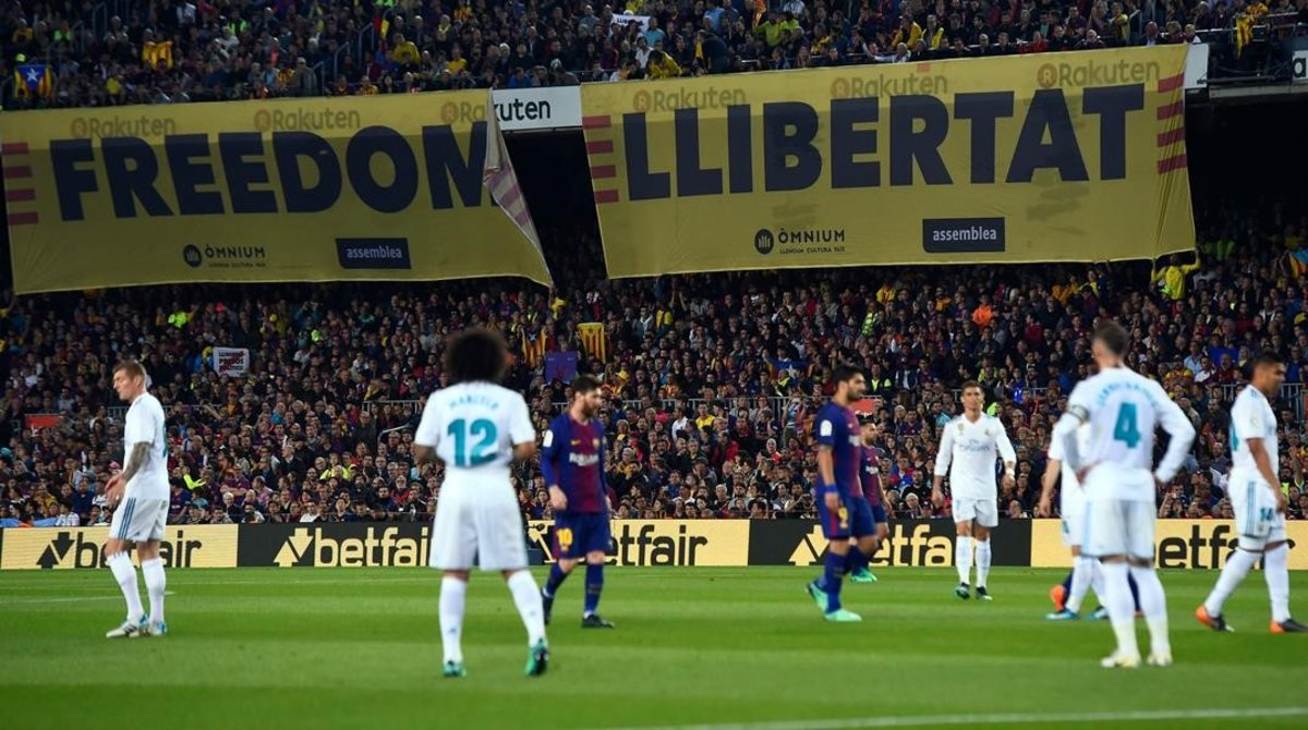 Tsunami Democràtic demana al Barça i al Reial Madrid col·locar una pancarta amb el 'Sit and talk' en el clàssic