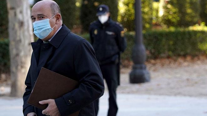 El juez interroga a Pérez de los Cobos como testigo en la 'Kitchen'.