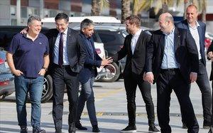 Només el futbol guarda silenci davant de l'erto plantejat pel Barça