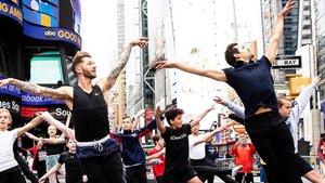 Bailarines en Times Square.