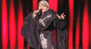 Madonna lanza un subliminal mensaje de paz en Eurovisión