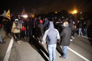 Manifestantes de Tsunami Democràtic cortan la AP-7 en Salt.