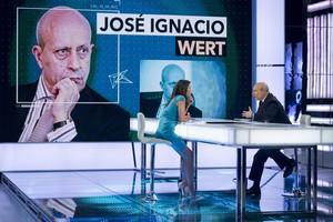 El ministro Wert, en un momento de la entrevista con Ana Pastor, en 'El Objetivo' de La Sexta.