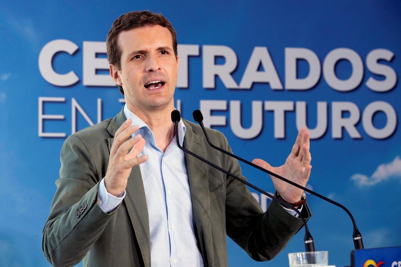 GRAF9438. AGUILAS, 12/05/2019.- El presidente del PP, Pablo Casado durante el mitin que ofrecido en el Auditorio infanta Elena de Águilas. EFE/Marcial Guillén
