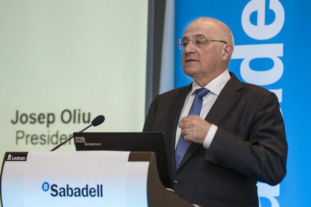 El presidente del Banco Sabadell, Josep Oliu, en un acto empresarial en Valencia el pasado marzo.