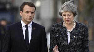 El presidente de Francia, Emmanuel Macron (izquierda), y la primera ministra británica, Theresa May.