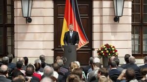 El presidente de Rumania Klaus Iohannis debe designar al nuevo primer ministro tras la destitución de Sorin Grindeanu.
