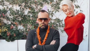 El ball de Laura Escanes felicitant Risto Mejide que s'ha fet viral