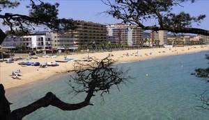 Apartamentos en la una de las playas de Sant Antoni de Calonge.