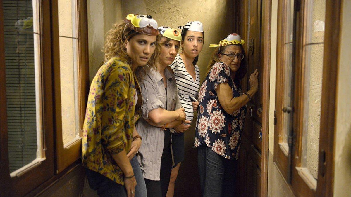 Toni Acosta, Malena Alterio, Nuria Herrero y Mamen García, en la serie de Tele 5 'Señoras del (h) AMPA'.