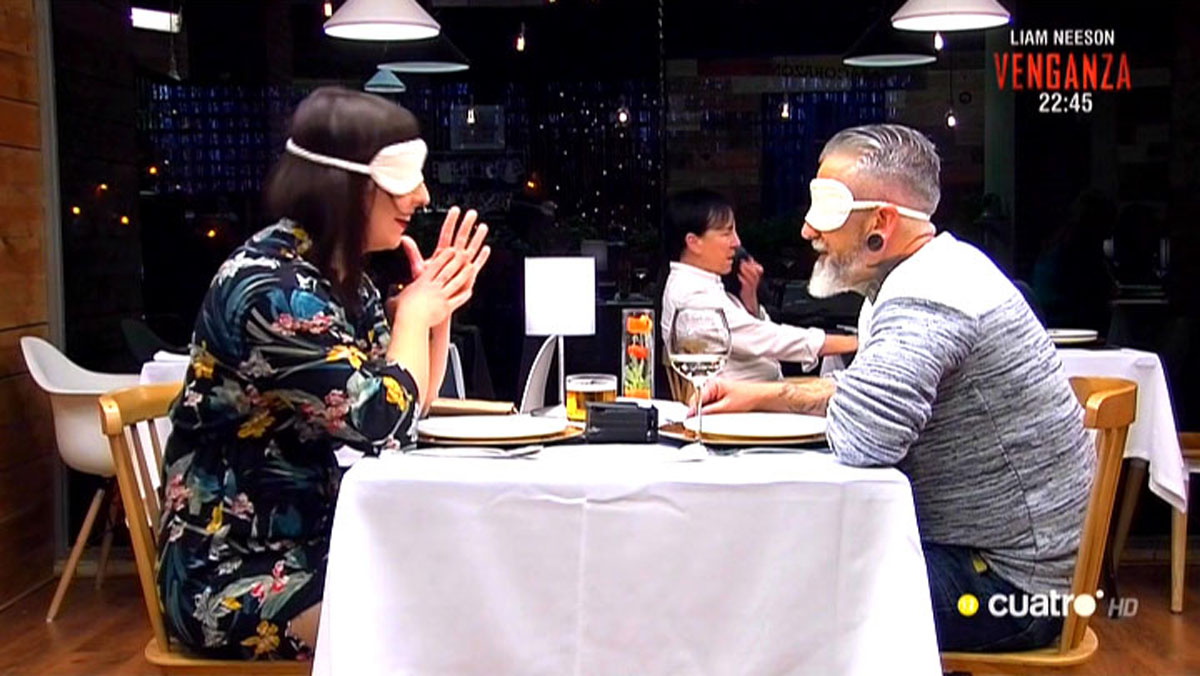 El amor a ciegas en First dates (Cuatro).