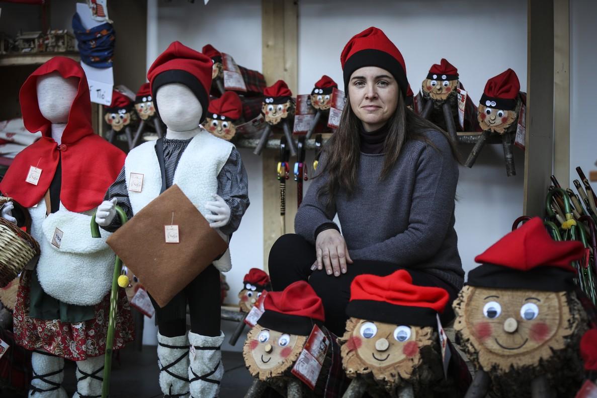 Aquesta artesana de tions va deixar la seva vida com a veterinària per confeccionar il·lusions nadalenques