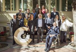 Los galardonados con los Premis Nacionals de Cultura y los miembros del plenario del Conca, este jueves.