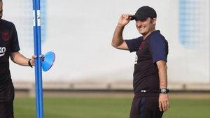 Valverde, en un entrenamento del Barça.
